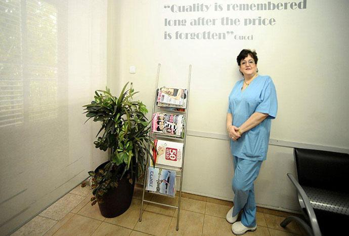 דוקטור מיכאלה מור - רופאת שיניים